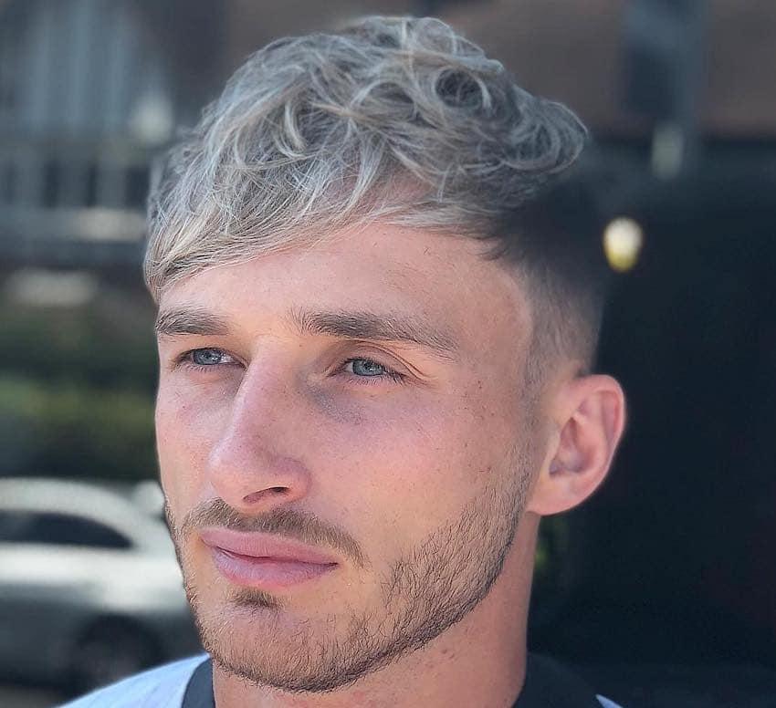capelli grigi uomo giovane 2019 25ad00b83f41