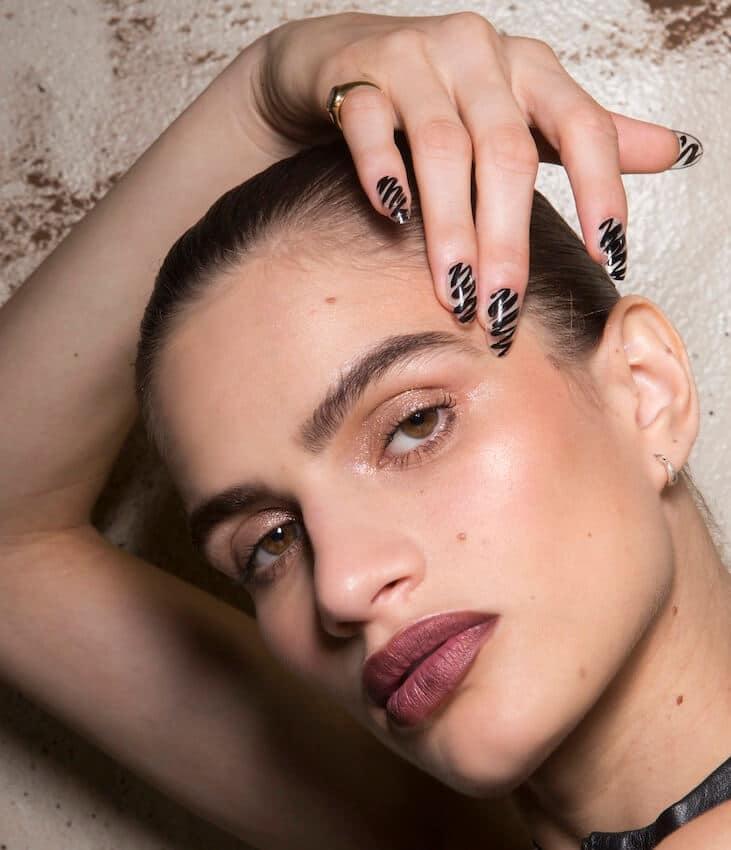 Smalti unghie primavera estate 2019-nail art essie