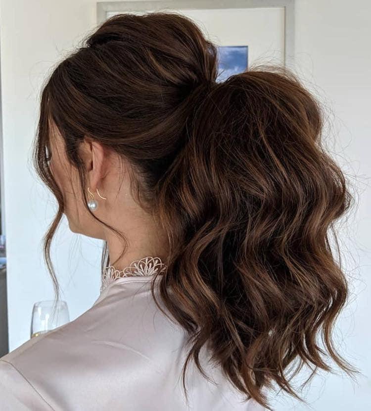 capelli acconciatura coda mossa
