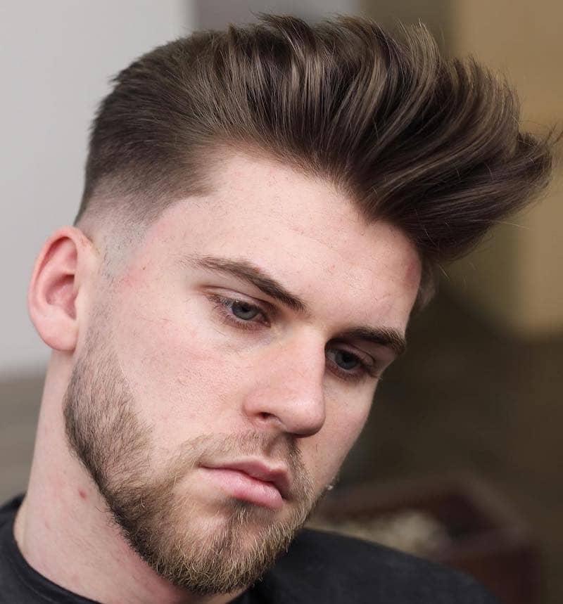 capelli rasati lati ciuffo alto uomo 2019-019