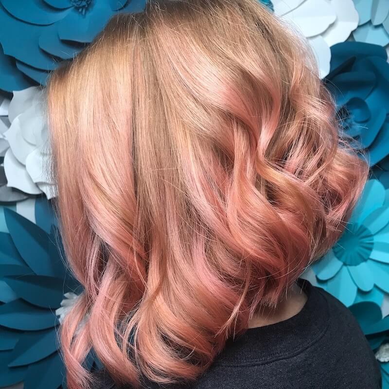 sfumature rosa pesca capelli biondi estate 2019