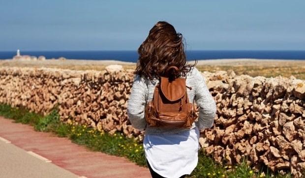 Come viaggiare da sole