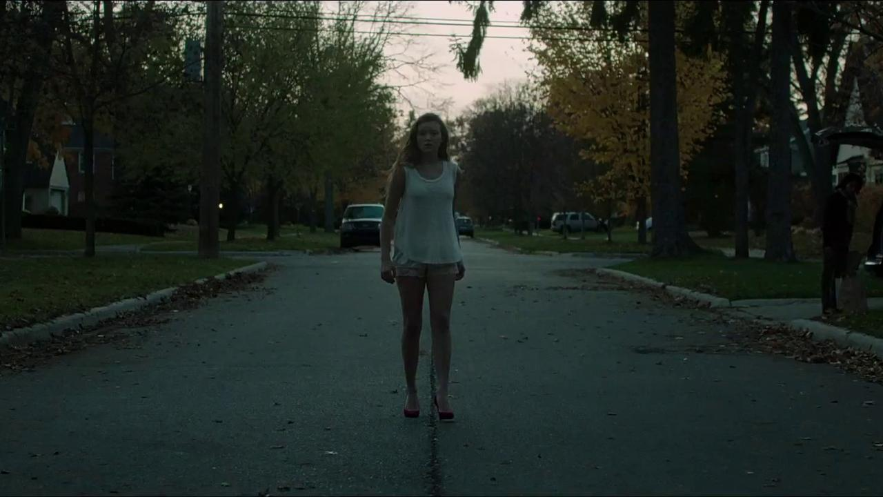 it follows horror netflix