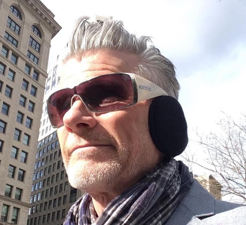 capelli bianchi uomo 2019 taglio corto 011