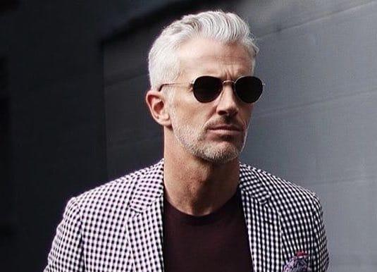a basso costo prezzo basso dettagli per Capelli bianchi uomo: tagli, tendenze e consigli per ...