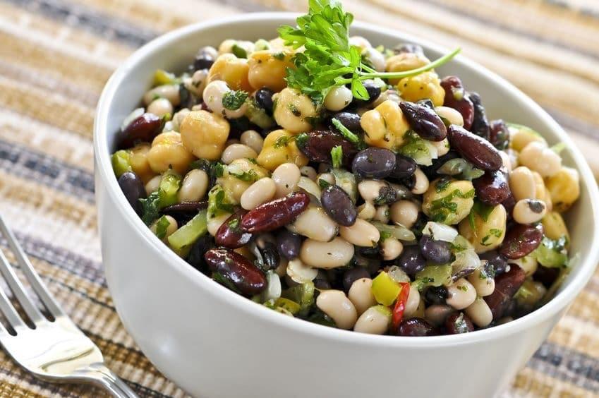 Ricetta Insalata Vegetariana.Insalate Estive 5 Ricette Di Insalate Miste Facili E Gustose Ricette