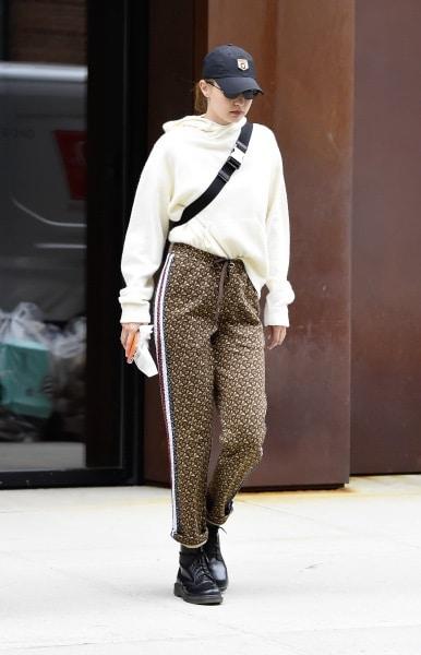 moda ragazze Gigi Hadid scarpe Dr Martens