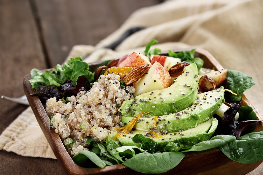 quinoa insalata con avocado