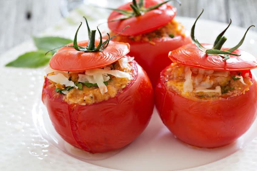 pomodori ripieni al forno con formaggio e pangrattato