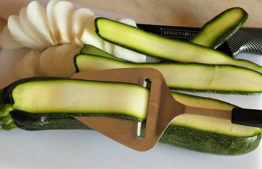 tagliare zucchine a nastro