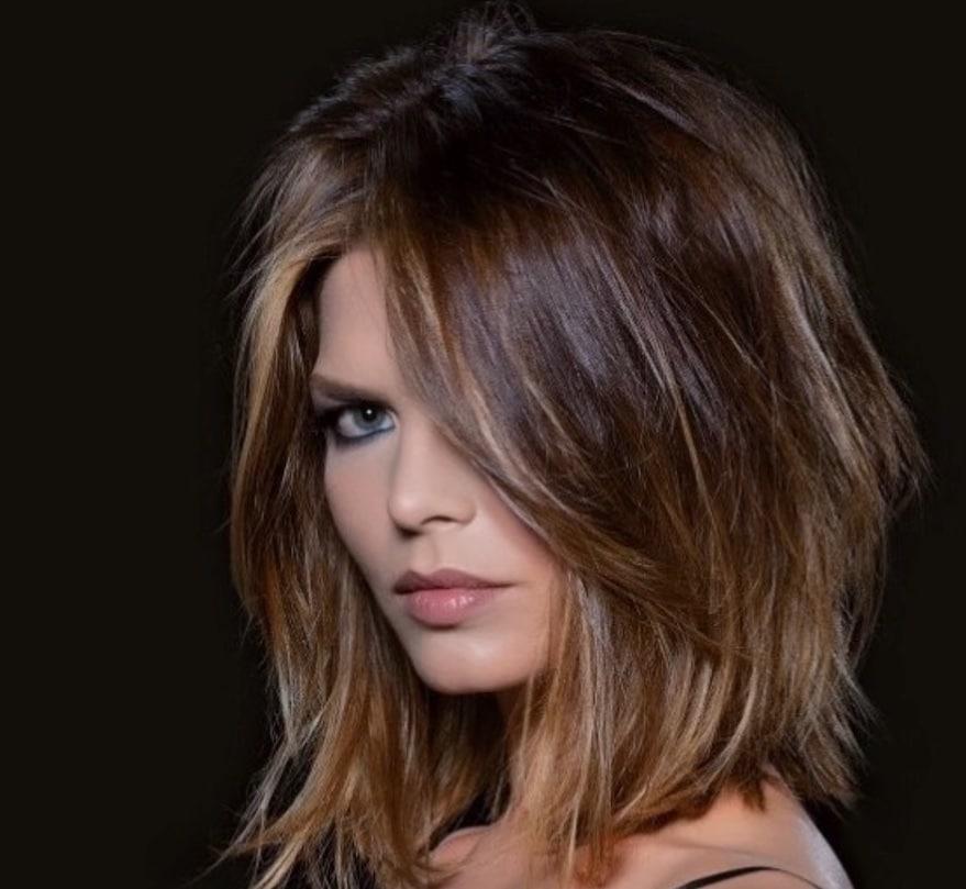 Taglio capelli 2019 donne medi lisci