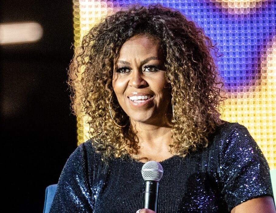 michelle obama 2019 capelli ricci ombre