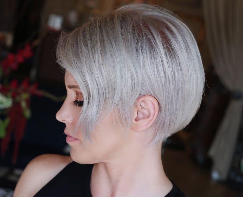 taglio capelli corti 2019 grigio platino