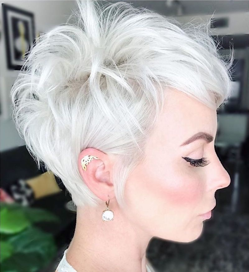 taglio-pixie-capelli-platinum-estate