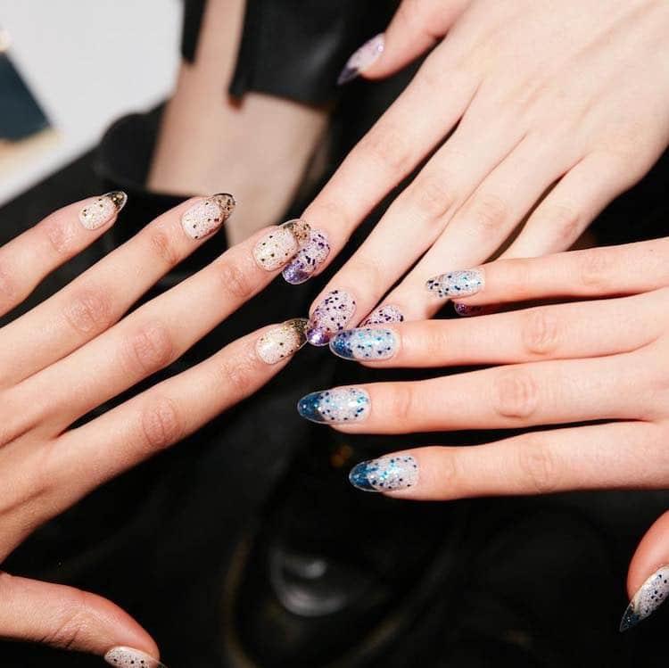 unghie glitter tendenze 2019 2020