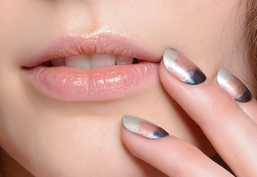 unghie moda inverno 2019 2020sfumate metallizzate