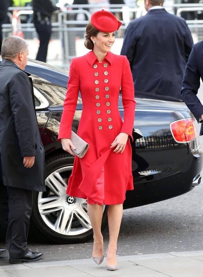 kate cappotto rosso 2019