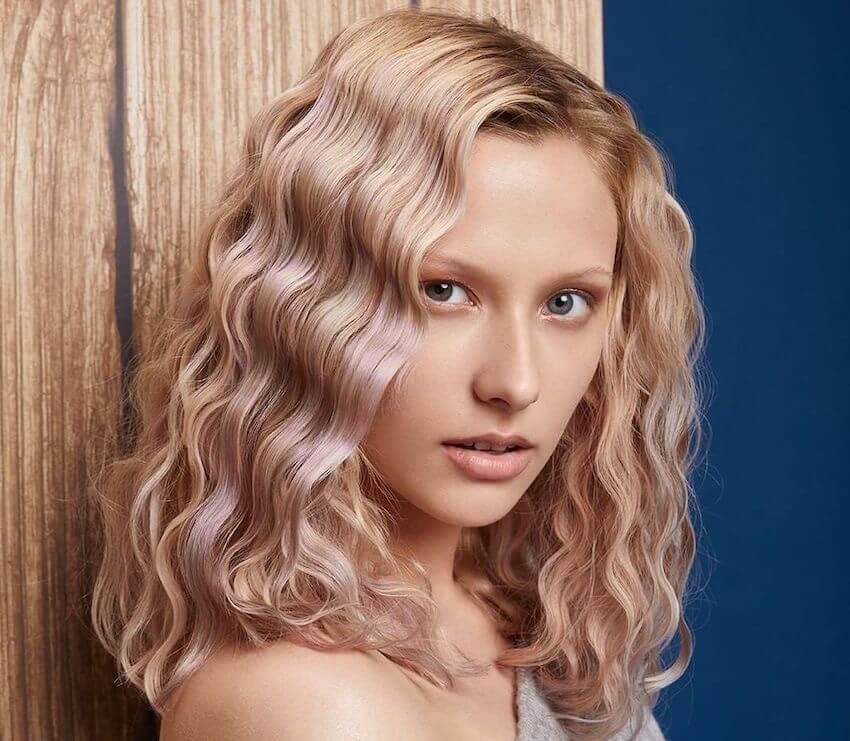 capelli ondulati biondo perlato 2020