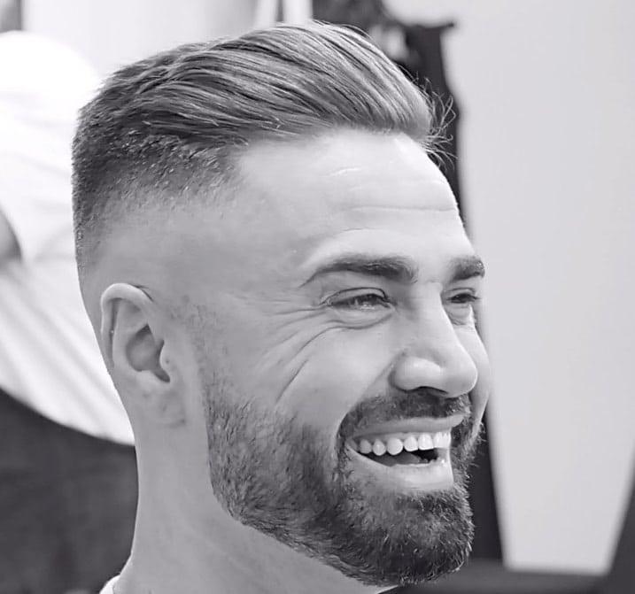 capelli uomo taglio rasato capelli indietro 2019