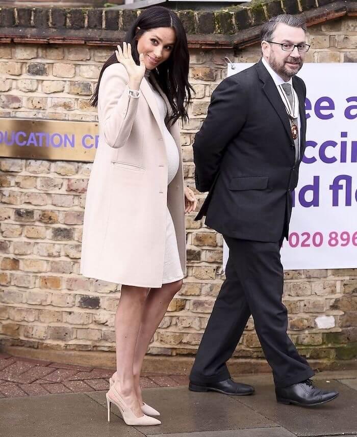 meghan markle abito cappotto gravidanza