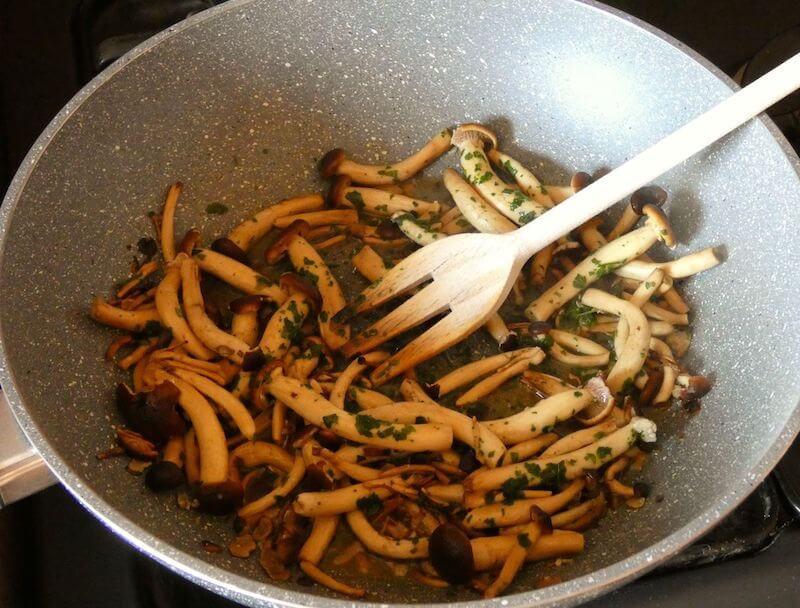 risotto funghi condimento foto 1