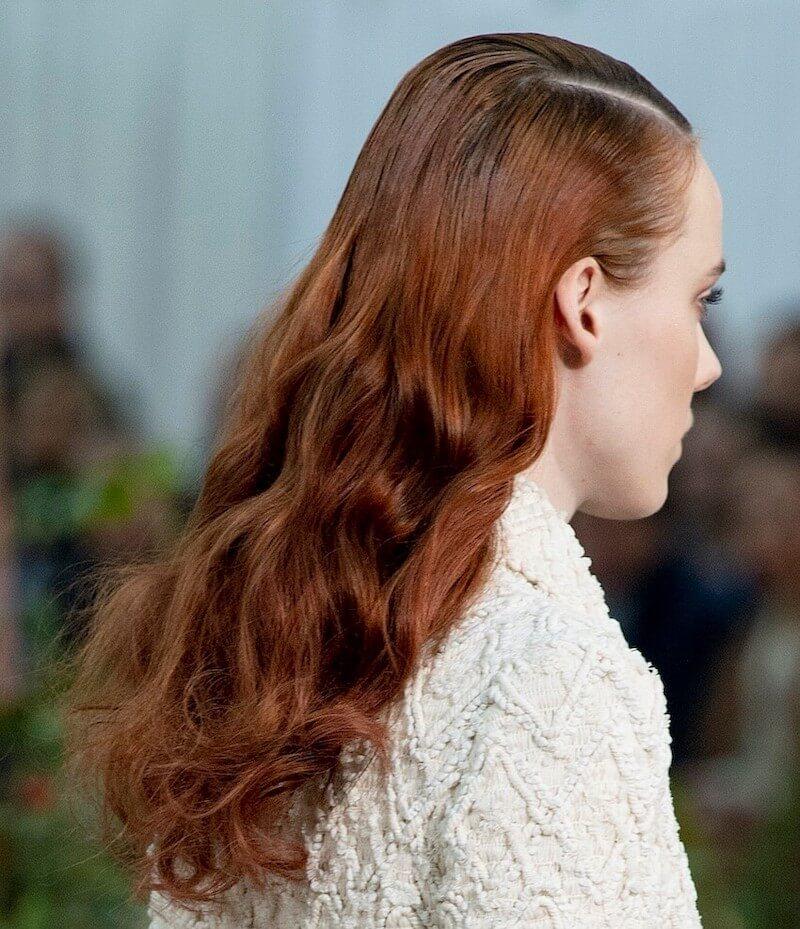 Chanel capelli lunghi ondulati 2020