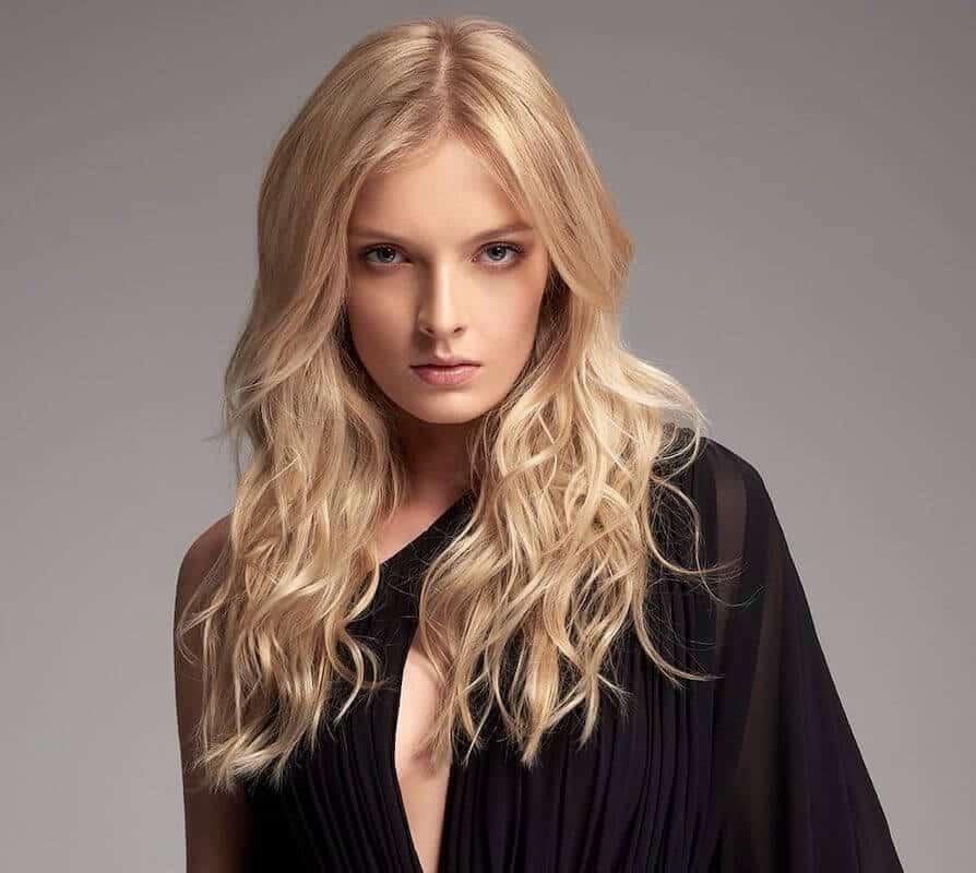 tagli capelli lunghi mossi biondo oro 2020