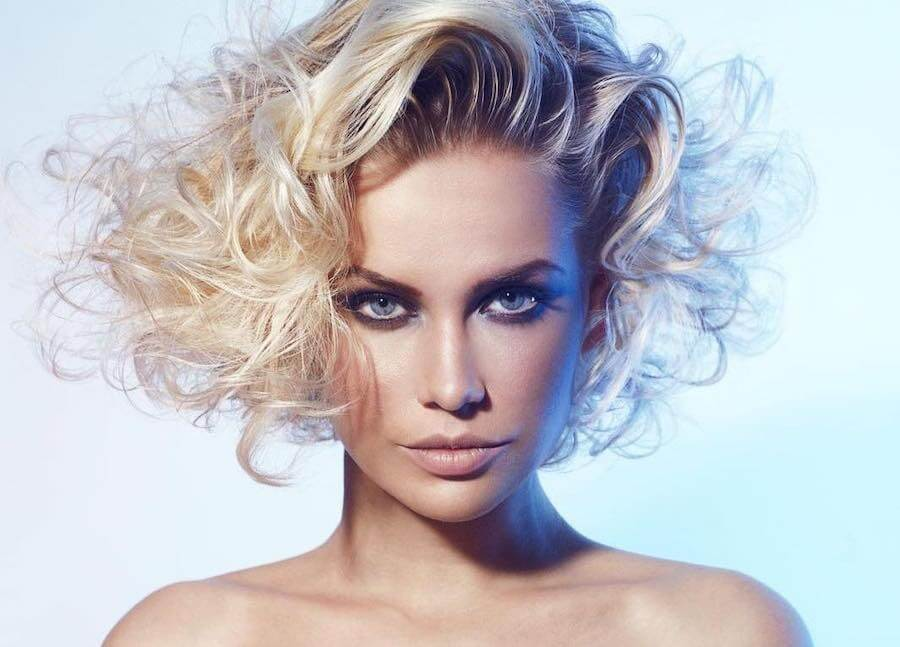 capelli medi biondi chiari 2020