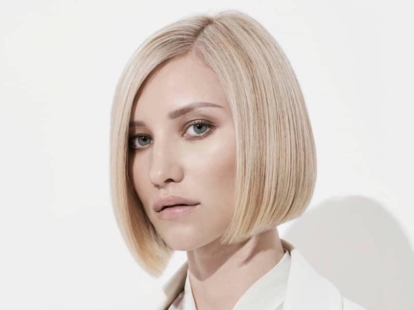 capelli bob liscio paro biondo 2020