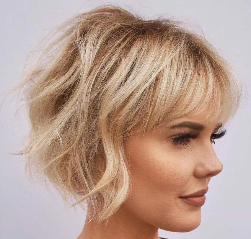 capelli tagli medi o corti 2020 french bob