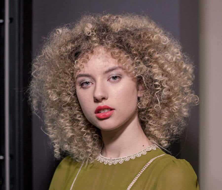 capelli ricci 2020