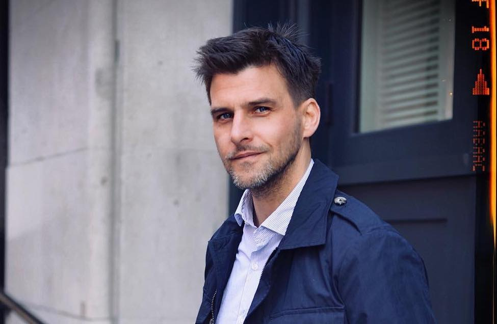 tagli capelli uomo 2020 Johannes Huebl