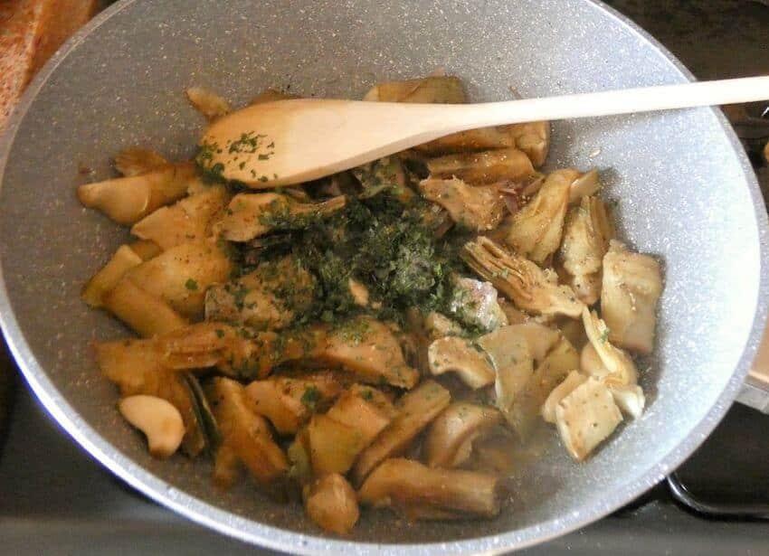 carciofi trifolati in padella-ricetta