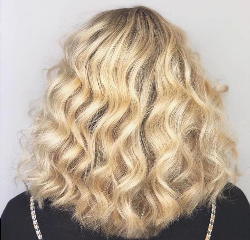 balayage biondo 2020 capelli medi mossi