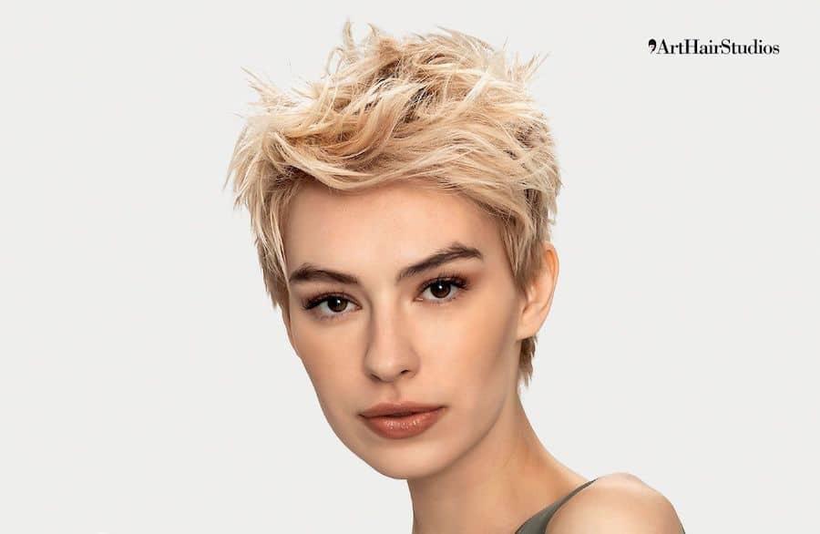 tagli capelli corti donne estate 2020