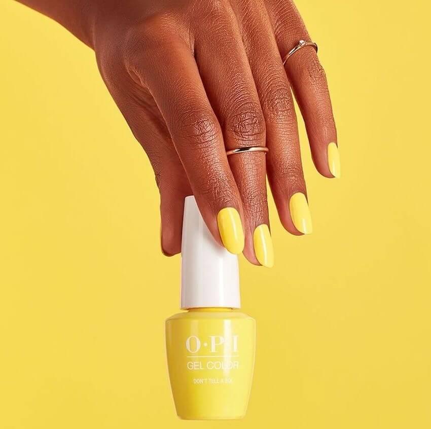unghie gialle pastello estive