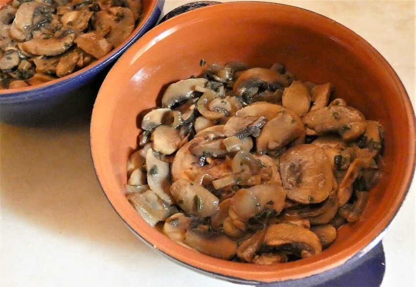 funghi al forno in pirofila