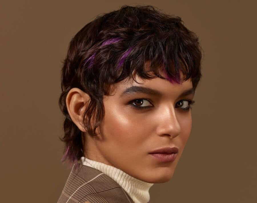 capelli castani 2021 ciocche colorate