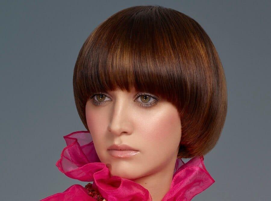 capelli castani sfumature ramate taglio colore