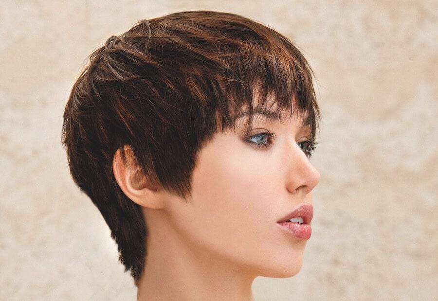 tagli capelli castani corti 2021-