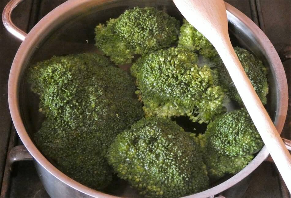 broccoli e gnocchi preparazione