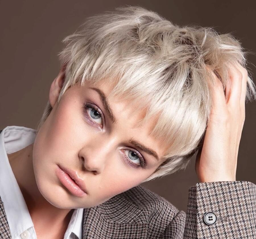 Tagli-capelli-corti-biondi-2021-02