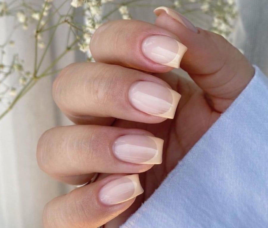unghie estive 2021 french manicure