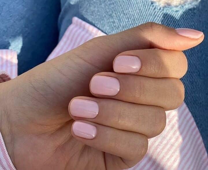 unghie gel rosa primavera estate 2021