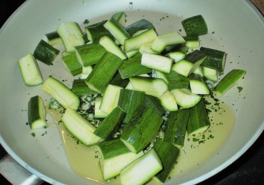 zucchine al vino preparazione