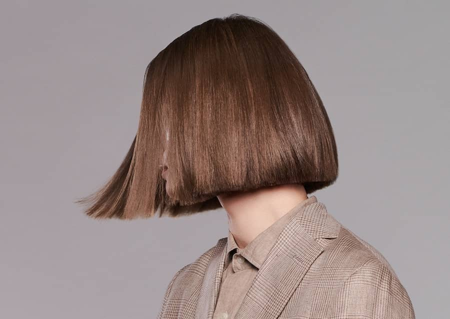 Colore capelli castani sfumature inverno 2021 22